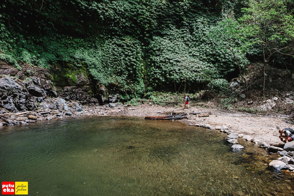 Para wisatawan mancanegara yang mengunjungi Blemantung