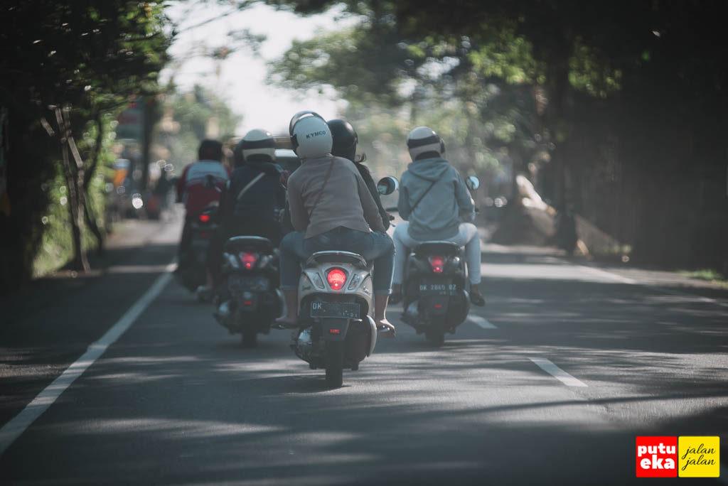 Para premotor yang berpasangan, jalan-jalan diakhir minggu