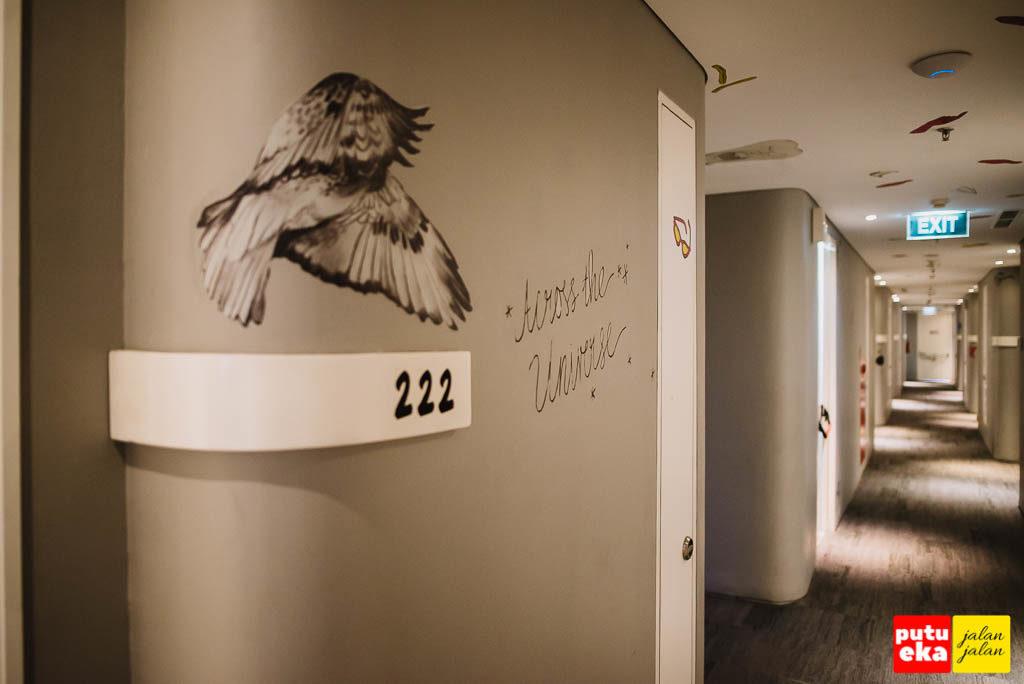 Lorong kamar di lantai 2
