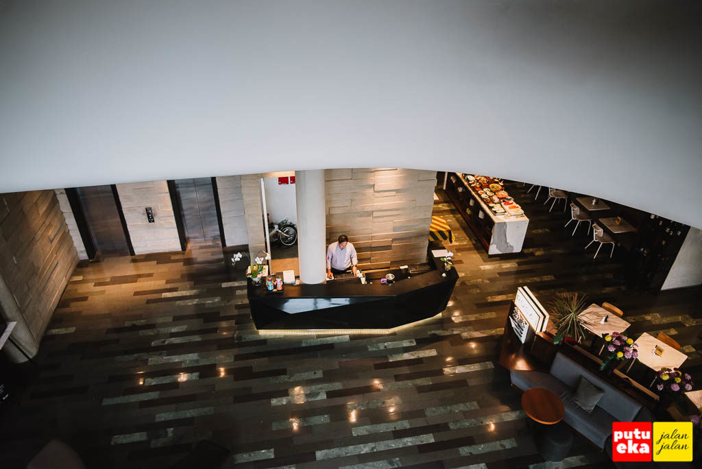 Lobby dilihat dari atas