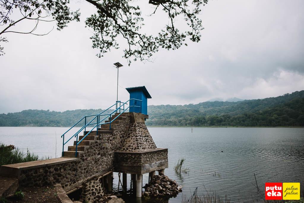 Bangunan baru yang dipergunakan sebagai tempat pengamatan ketinggian air danau