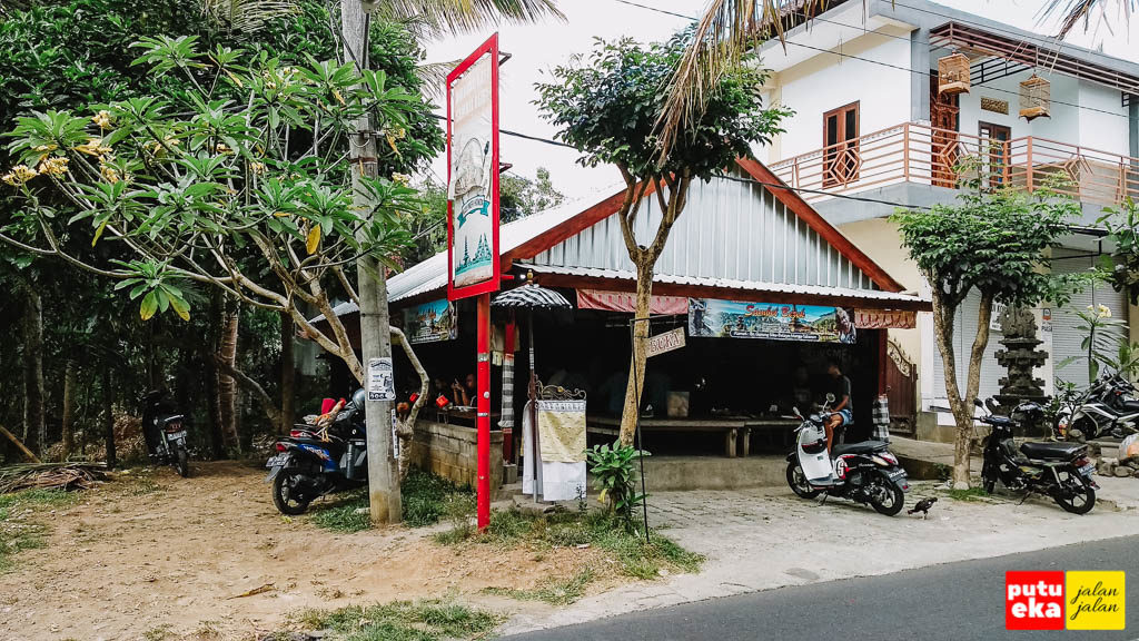 Warung Nasi Sambal Bejek Belayu tampak dari jalanan