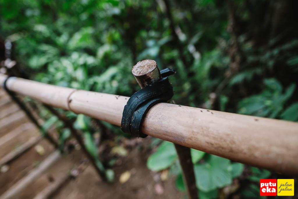 Pengikat pegangan tangan yang terbuat dari ban bekas