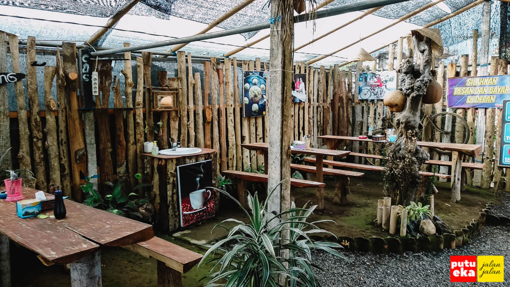 Tempat makan DJaja Laklak Pancasari
