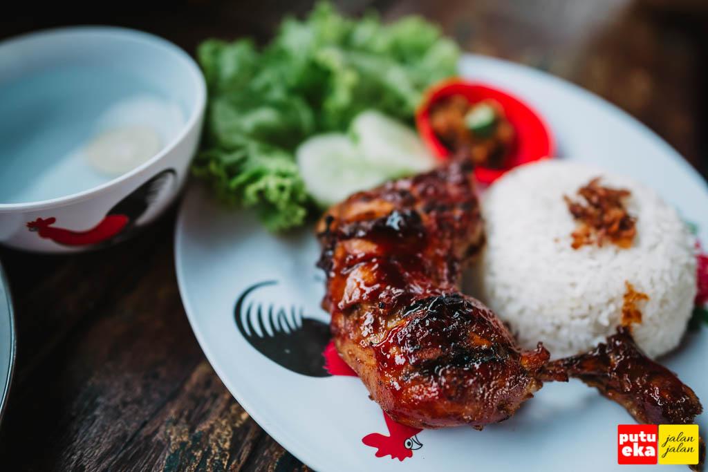 Ayam Bakar yang siap disantap