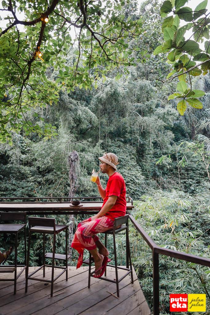 Nyeruput Bali Rosca sambil bayangin Bidadari